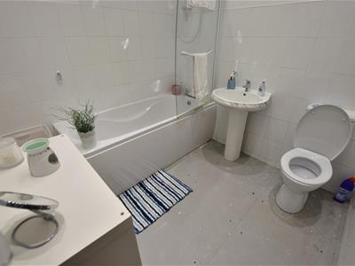 Bathroom-flat 64